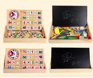 Sản phẩm có 2 mặt giúp bé vừa học toán vừa có thể tô vẽ theo ý thích