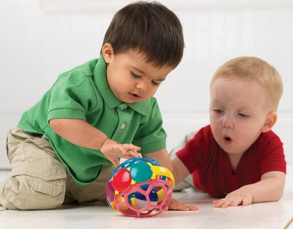 Tầm quan trọng của vui chơi đối với sự phát triển của trẻ nhỏ