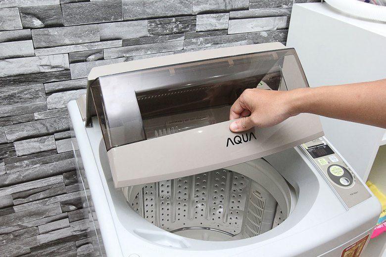 Đóng nắp máy giặt để vận hành máy giặt nhé