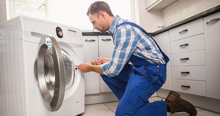 Gọi thợ sửa chữa đến nếu máy giặt gặp lỗi lớn