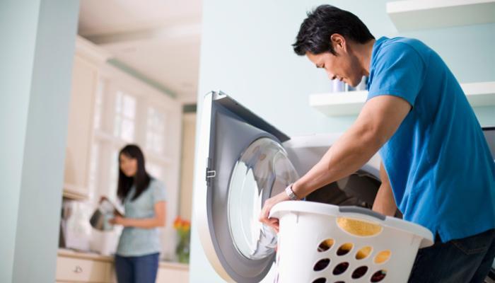 Vệ sinh máy giặt bằng giấm ăn