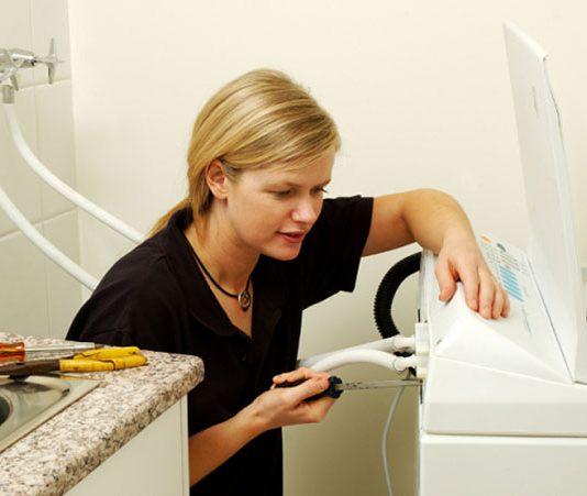 Bật mí cách làm vệ sinh máy giặt bằng giấm ăn