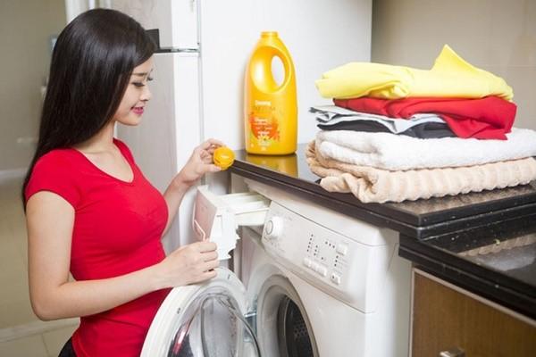 Hướng dẫn cách dùng nước xả vải cho máy giặt