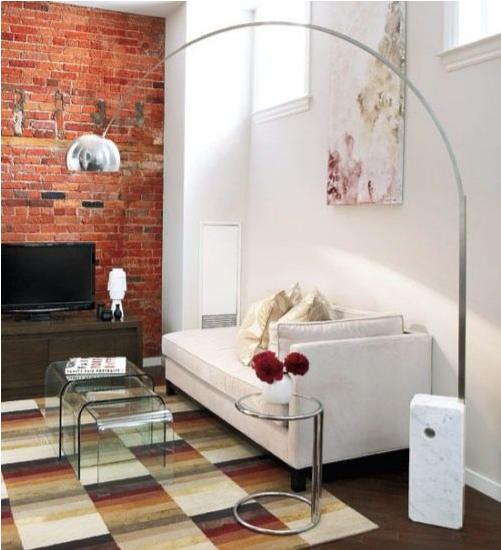 Căn phòng khách được thiết kế với các vật dụng tiết kiệm diện tích nhưng vẫn đẹp và sang trọng