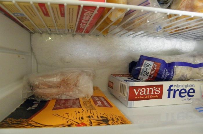 Tủ lạnh đóng tuyết gây hao điện, giảm tuổi thọ và chiếm diện tích sử dụng