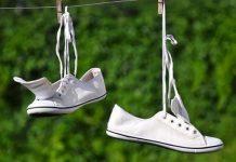 Hướng dẫn cách giặt giày bằng máy giặt sạch không lo hư rách